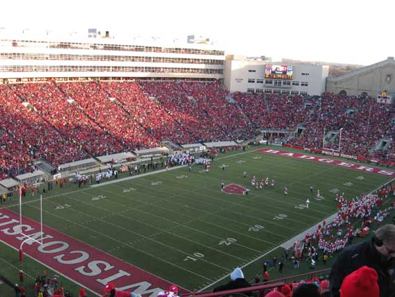 northwestern_wildcats_wisconsin_badgers_camp_randall_2010
