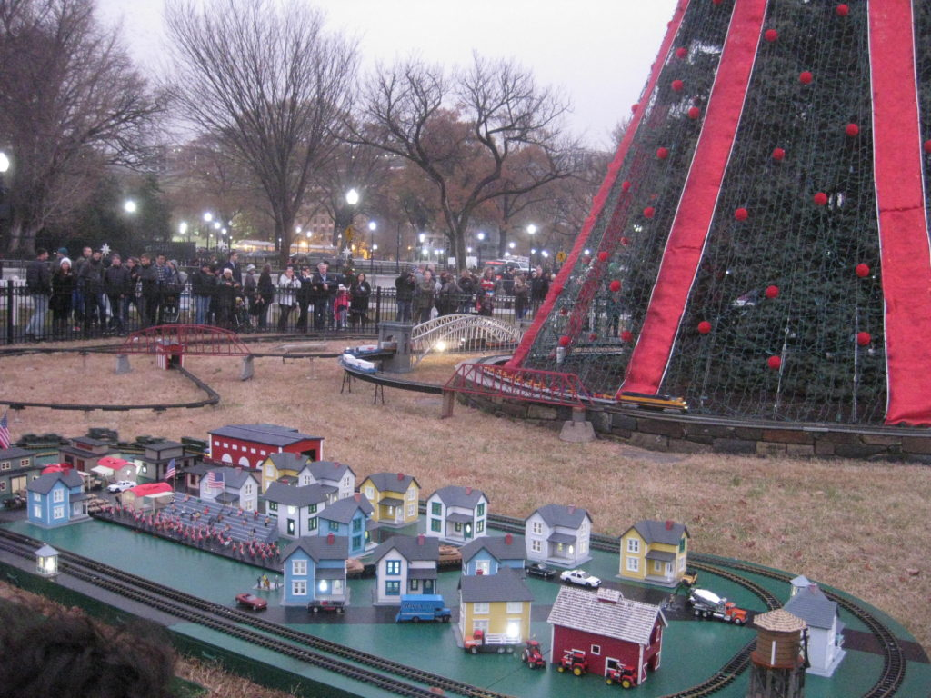 National_Christmas_Tree_Train