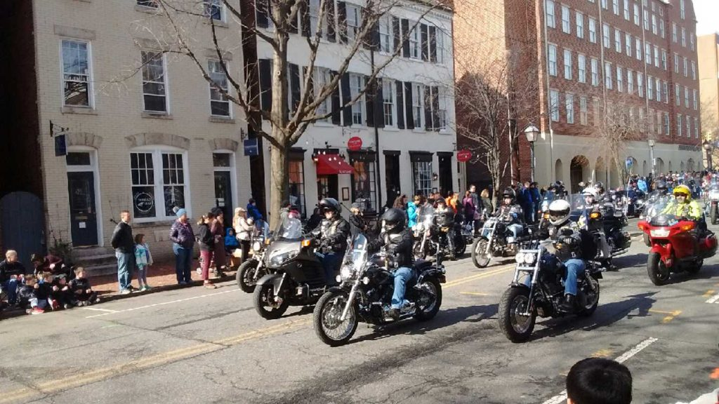 Washington_Parade_Old_Town_motorcycles