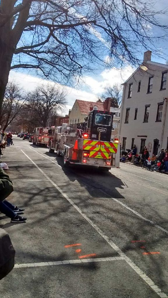 Washington_Parade_Alexandria_firetrucks