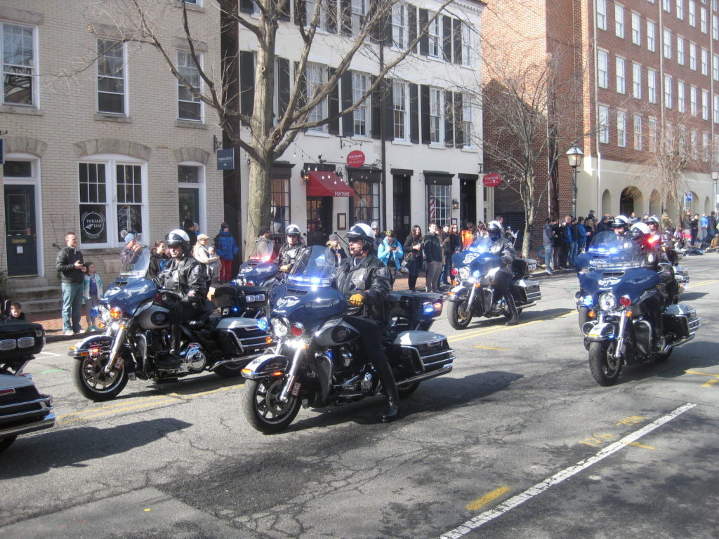 Washington_Parade_Alexandria_police_motorcycles