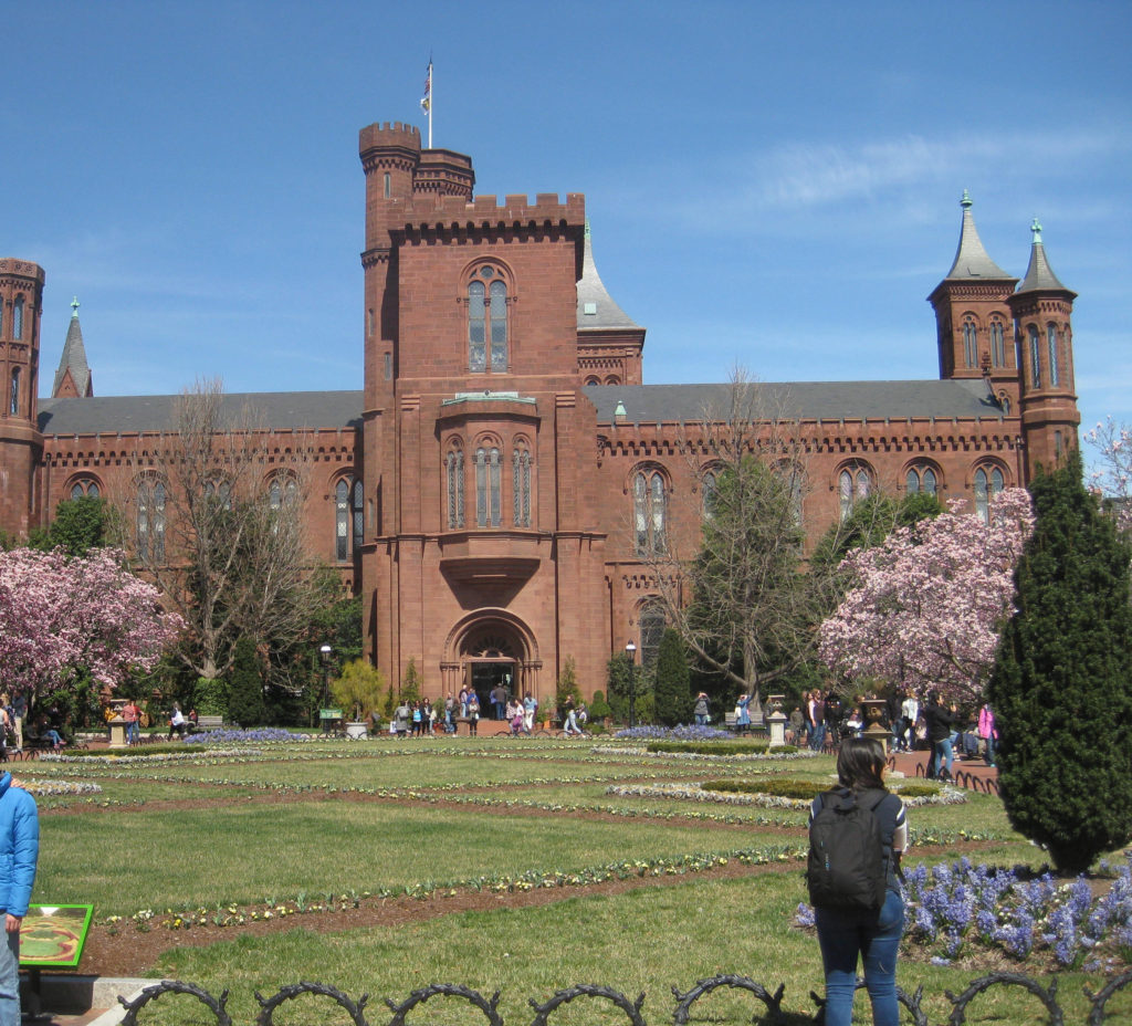 Smithsonian_Institution_Building_Castle